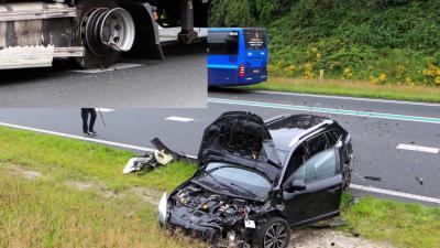 Drie voertuigen beschadigd bij aanrijding op N34