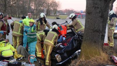 Twee gewonden bij ongeval met oldtimer in Koekange