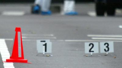 Man in auto raakt gewond nadat hij onder vuur werd genomen in Enschede