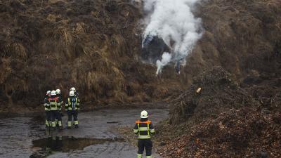 foto van brand in compost | Sander van Gils | www.persburosandervangils.nl