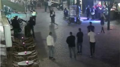Agenten vanuit het niets en zonder aanleiding in Breda mishandeld