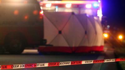 Auto rijdt op Rimob op A58, twee gewonden