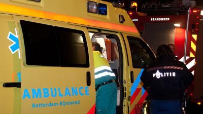 Foto van ambulance en politie in donker | Archief Flashphoto.nl | www.flashphoto.nl