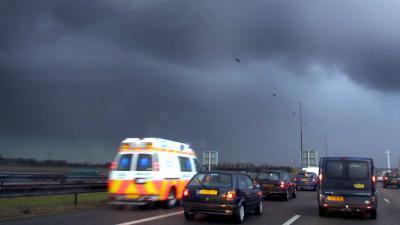 ambu-snelweg-vluchtstrook