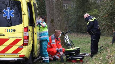 ambulance-wielrenner-gewond