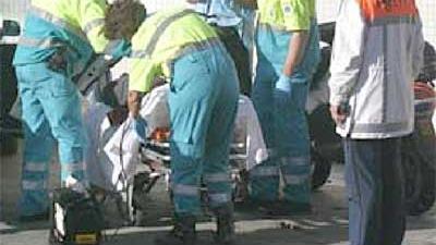 Foto van ambulance brancard politie   Archief EHF