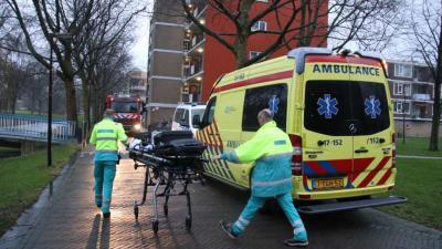 Bewoner raakt gewond bij blussen woningbrand in Schiedam
