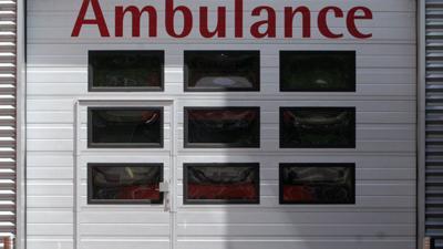 Foto van ambulance roldeur ziekenhuis | Archief EHF