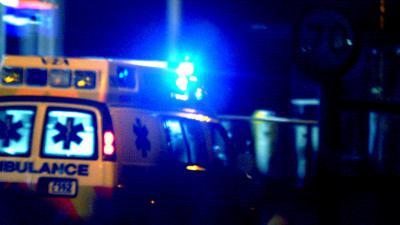 ambulance donker zwaailicht