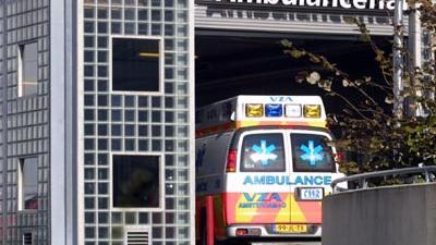 Foto van ambulance op eerste hulp ziekenhuis   Archief EHF