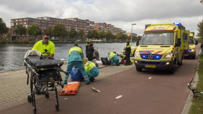 Fietser en scooterrijders gewond na aanrijding Rotterdam