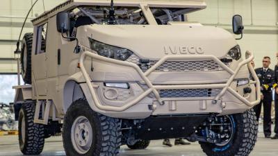 Mariniers ruilen Mecedes-Benz in voor Anaconda-terreinwagen