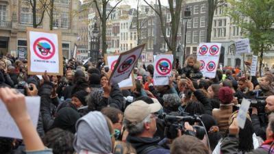 Foto van demonstratie tegen Zwarte Piet | BON