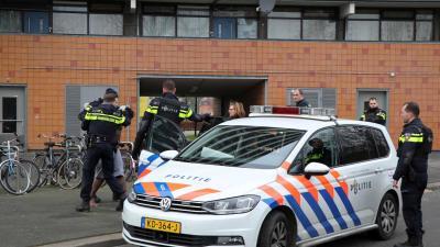 Bewoners horen schoten, arrestatieteam houdt verdachte aan