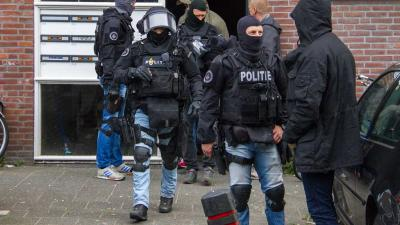 Arrestatieteam doet inval in Vlaardingse woning