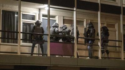 Arrestatieteam valt woning binnen