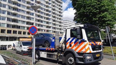 afsleep auto door politiekraan