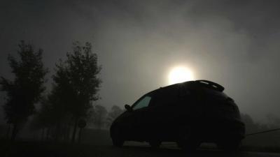 Ernstig ongeval in dichte mist, automobilist (26) overleden