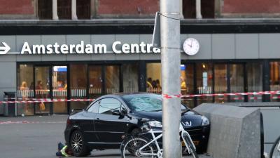 Vier van de aangereden voetgangers in Amsterdam nog in ziekenhuis