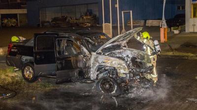 Auto in vlammen op in Schiedam