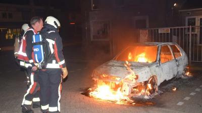 Auto in vlammen op in Hoogeveen
