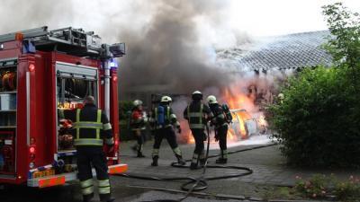 Foto van autobrand Uden   Willy Smits   www.112journaal.nl