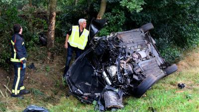 Dronken automobilist over de kop in Anloo