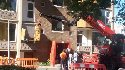Balkon van flat afgebroken in Groningen