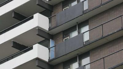 Gezochte Tilburger (27) breekt beide enkels bij sprong van derde etage