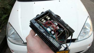 Verzekeraars willen 'zwarte doos' in alle auto's