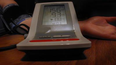 Foto van bloeddrukmeter en patiënt | Archief EHF