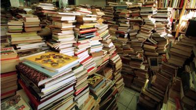 Bibliotheek in de ''shit'' door boekpoeper