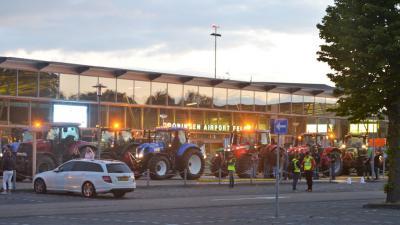 Groningen Airport gaat aangifte tegen boze boeren doen