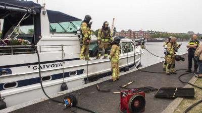 Brand aan boord van jacht in Rotterdam