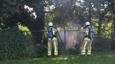 Brandweer Gieten blust klein buitenbrandje