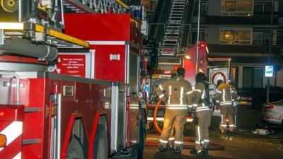 Grote uitslaande brand in Rotterdamse woning