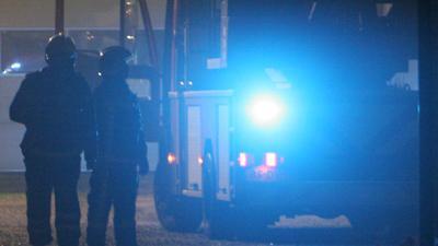 Foto van brandweerauto zwaailicht donker   Archief EHF