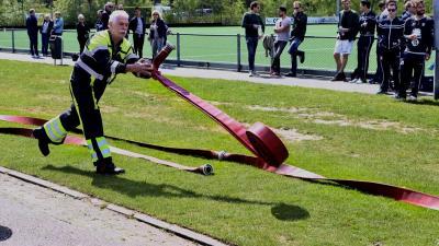 Brandweer schiet hockeyclub in Sint-Oedenrode te hulp