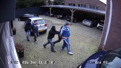 Mannen door nep-arrestatieteam ontvoerd