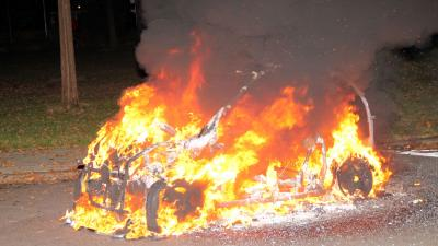 Brommobiel in vlammen op