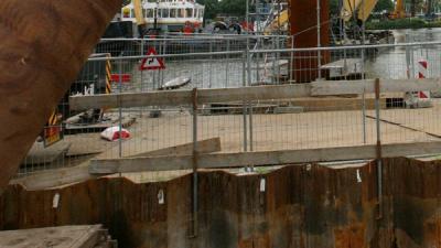 Foto van damwanden bij bouw brug | Archief EHF