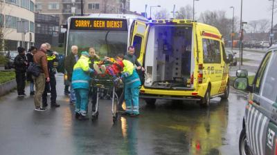 Voetganger gewond na aanrijding met stadsbus