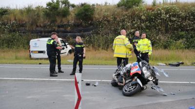 Zwaar beschadigde politiemotor
