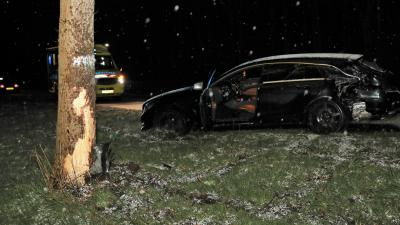 Beschadigde auto na aanrijding