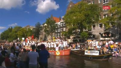 Druk in Amsterdam voor Canal Parade
