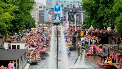 Drukbezochte Canal Parade is gezellig en gemoedelijk