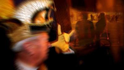 Snelrecht voor 'carnavals'-geweld tegen politie