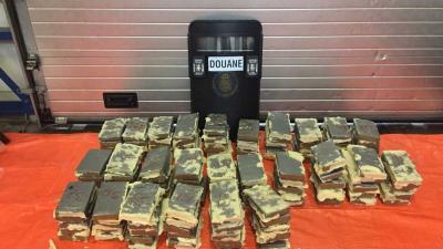 Douane vindt 130 kilo cocaïne in dak container