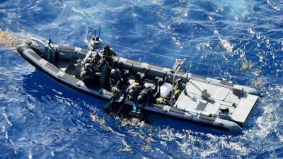 coke-marine-speedboot