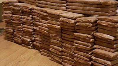 Colombianen in Amsterdam gepakt met 80 kilo cocaïne in woning